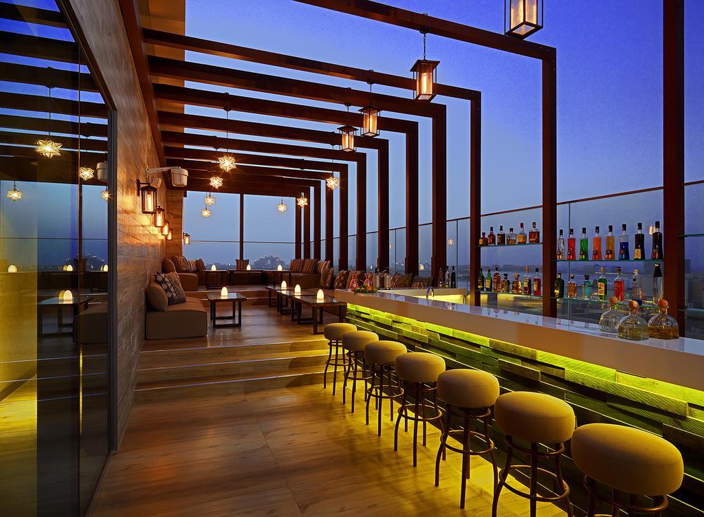 Відпочинок в готелі Aloft Palm Jumeirah
