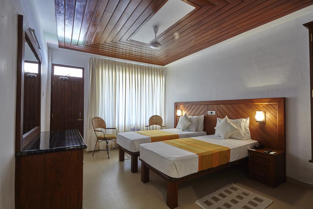 Туры в отель Coral Sands Хиккадува Шри-Ланка