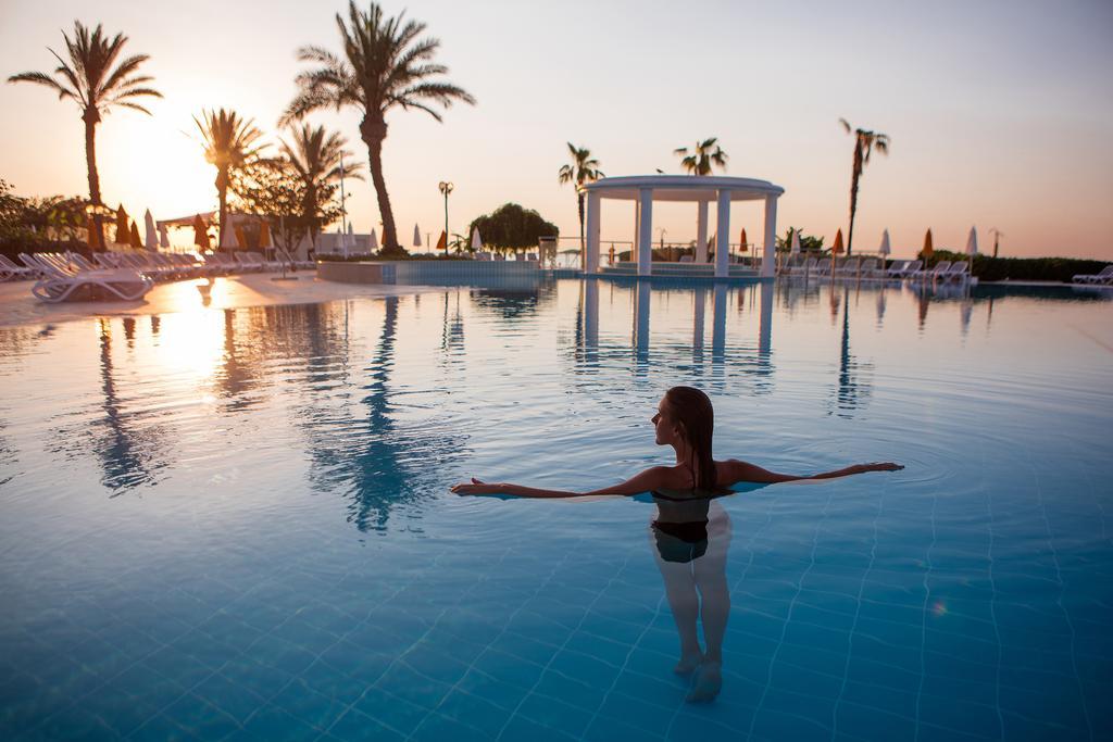 Відпочинок в готелі Mirage Park Resort Кемер Туреччина