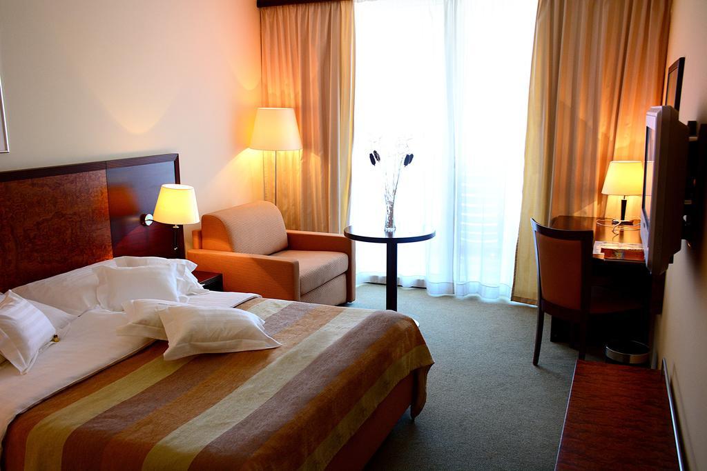 Горящие туры в отель Princess Hotel