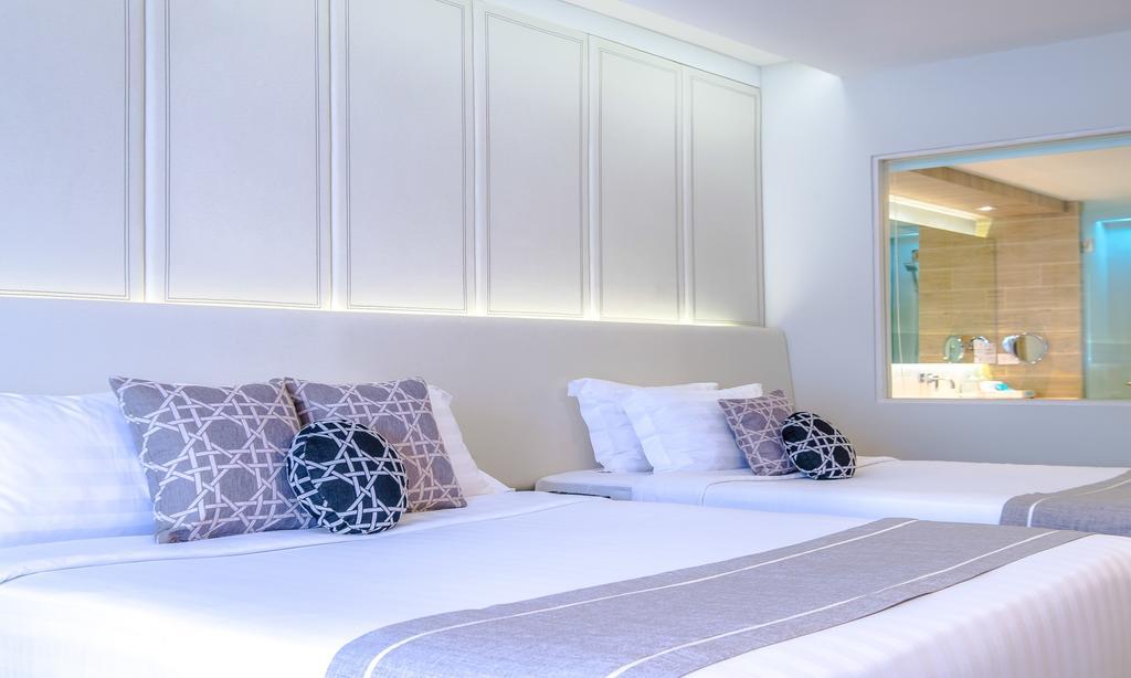 Відпочинок в готелі Phuket Graceland Resort & Spa