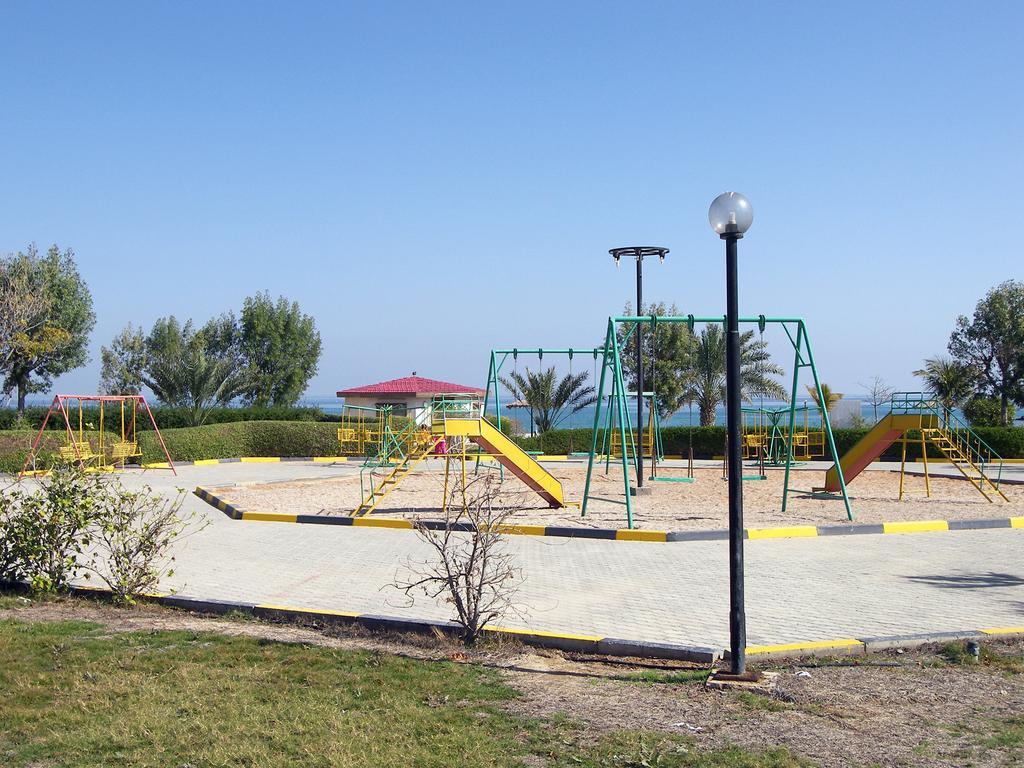 Holiday Beach Resort, ОАЭ, Фуджейра, туры, фото и отзывы