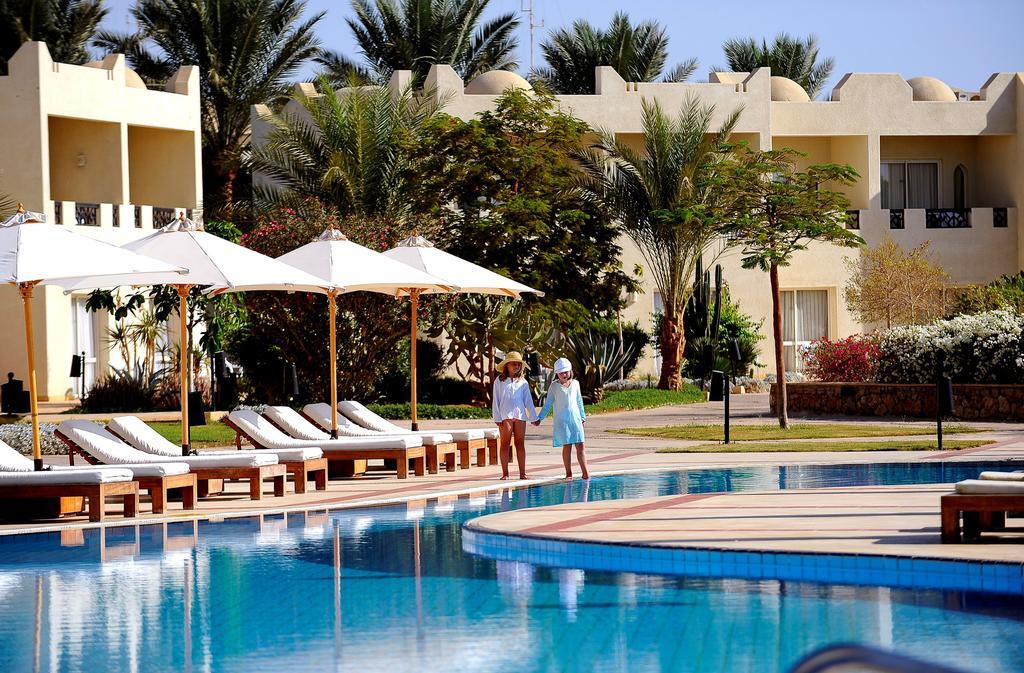 Отзывы гостей отеля Reef Oasis Beach Resort