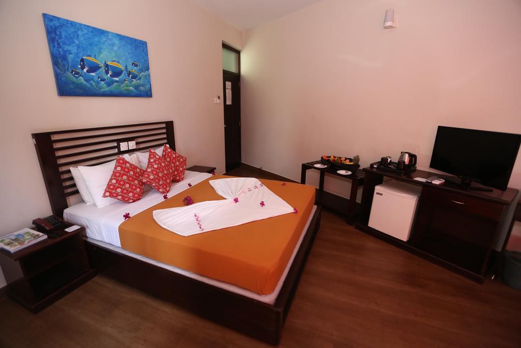 Горящие туры в отель Hikkaduwa Beach