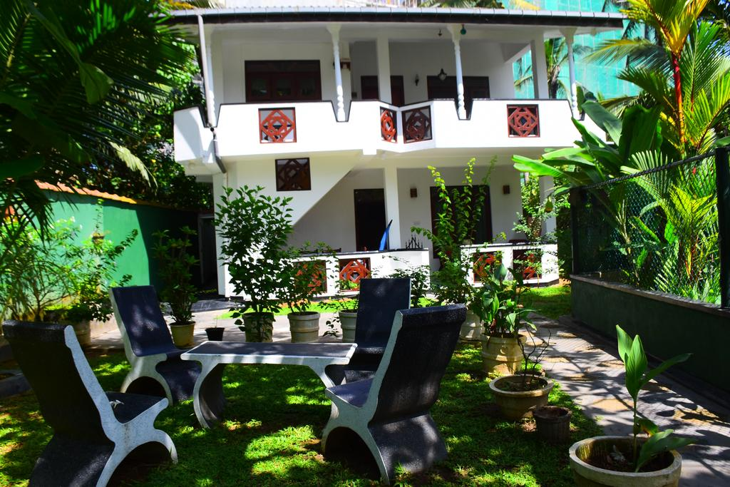 Sea View Deepal Villa, Шри-Ланка, Унаватуна
