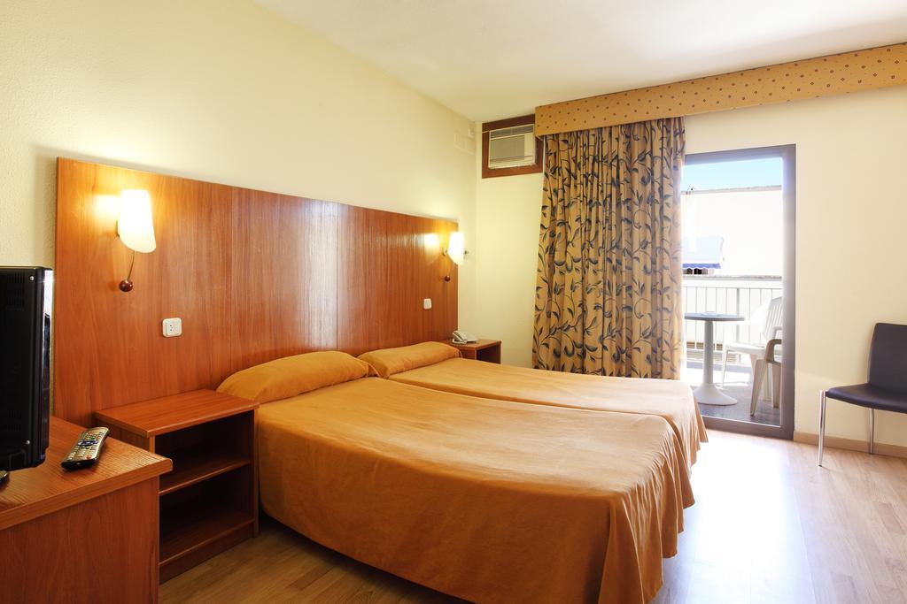 Отдых в отеле Brasil Hotel Коста-Бланка