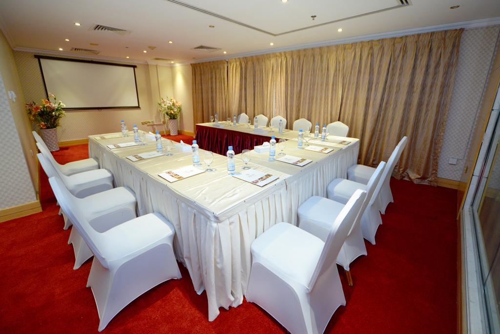Nejoum Al Emarate Hotel Sharjah, фотографии туристов