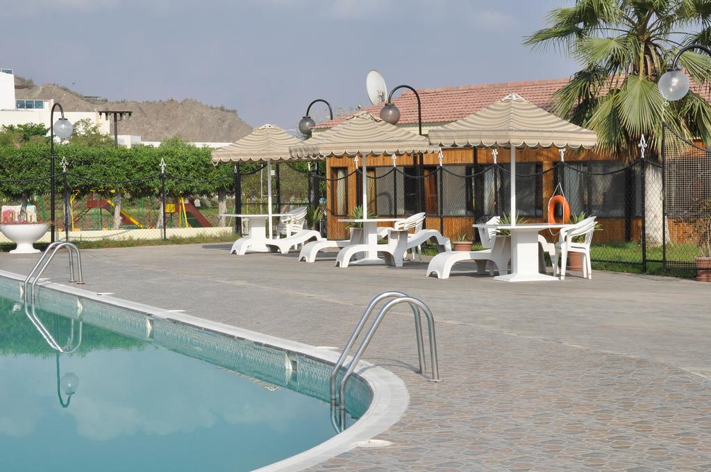 Holiday Beach Resort, фотографии