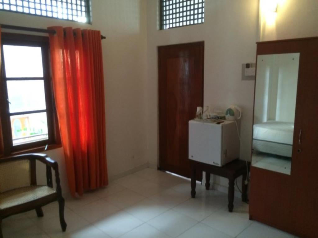 Отдых в отеле Prime Time Hotel & Bristol Унаватуна Шри-Ланка