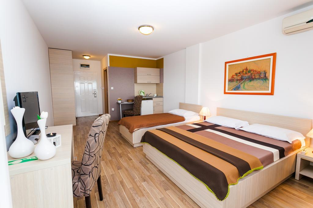 Горящие туры в отель Marija Shumet