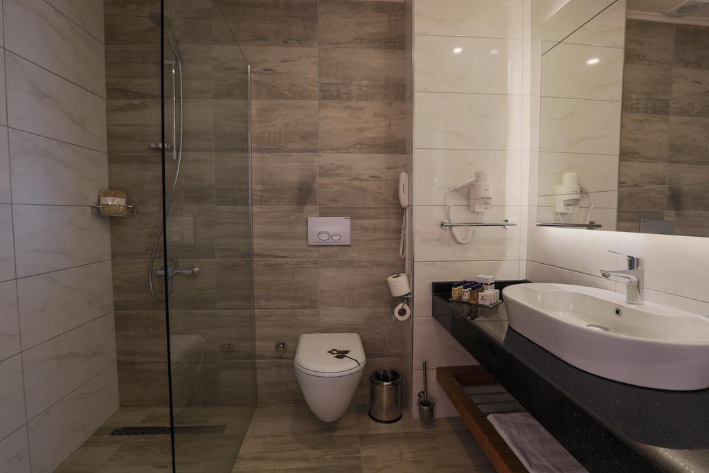 Відгуки про готелі Xoria Deluxe Hotel