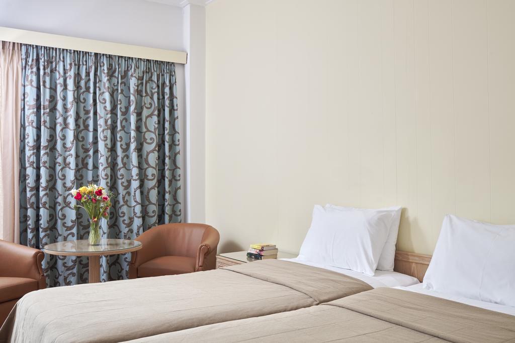 Цены в отеле Candia (Best Western)