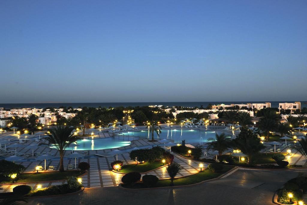 Туры в отель Pharaoh Azur Resort (Ex. Sonesta Pharaoh Beach) Хургада Египет