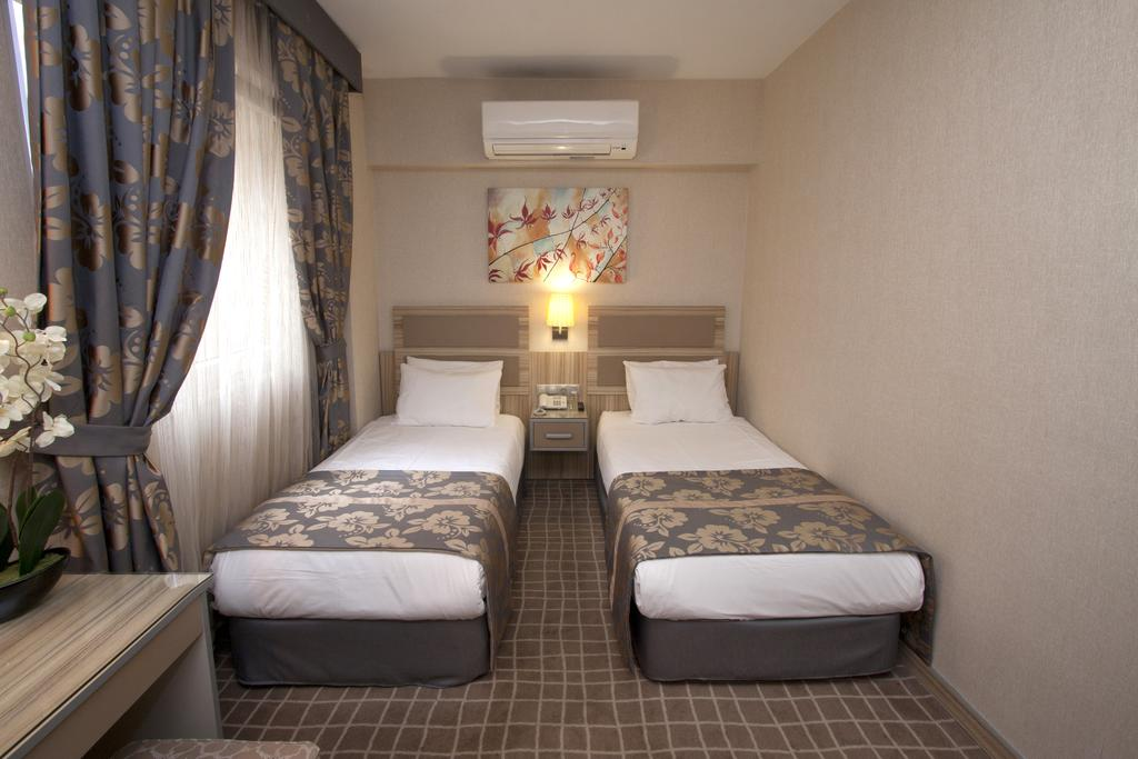 Отдых в отеле Nanda Hotel