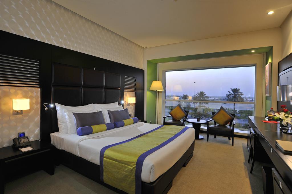 Дубай (город) Hues Boutique Hotel цены