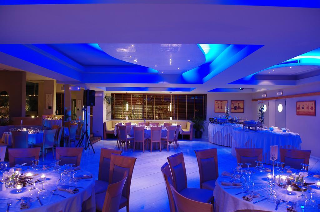 Bomo Club Palace Hotel, Греция