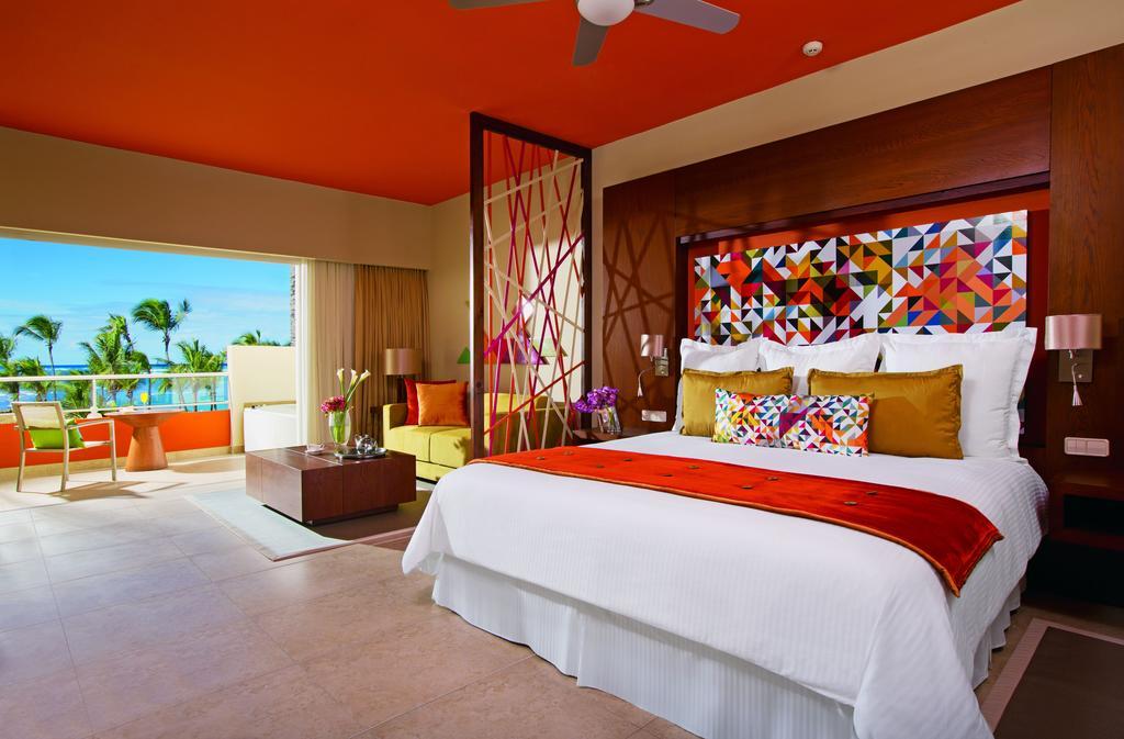 Тури в готель Breathless Punta Cana Resort & Spa Уверо Альто Домініканська республіка
