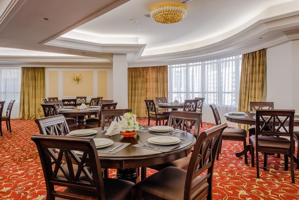 Tulip Inn Al Khan Hotel, фотографии туристов