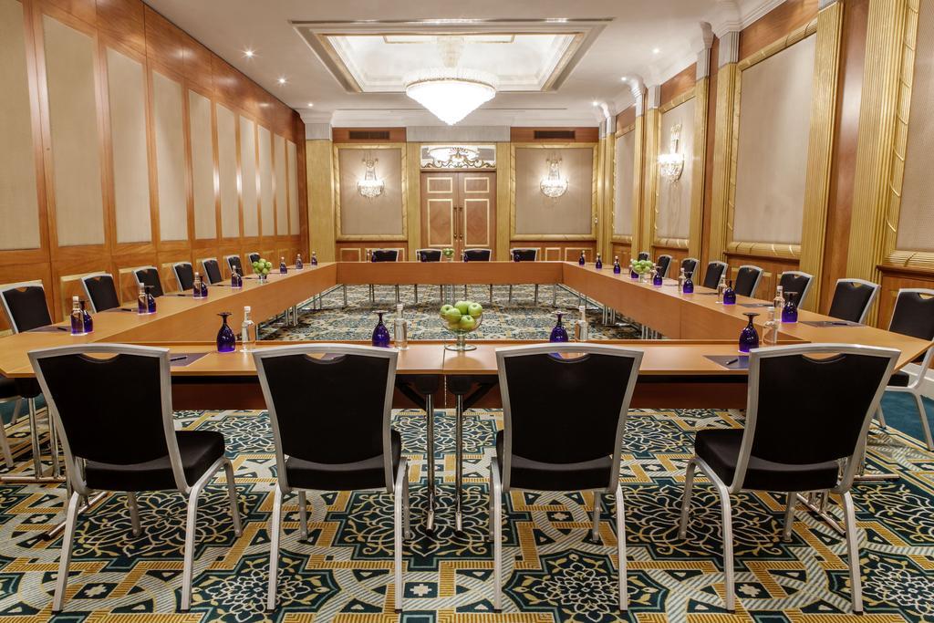 Відгуки про готелі Hilton Sharjah Hotel