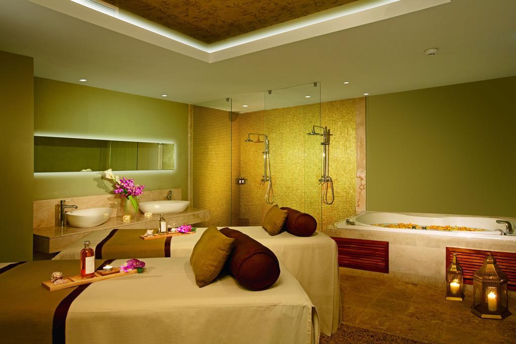 Гарячі тури в готель Breathless Punta Cana Resort & Spa Уверо Альто