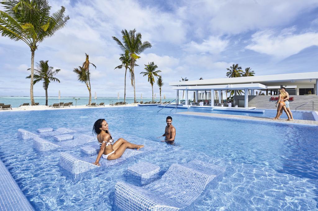 Тури в готель Riu Atoll Даалу Атол