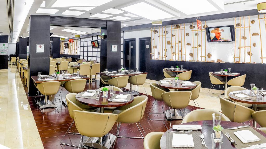 Holiday Inn Al Barsha, фотографии туристов