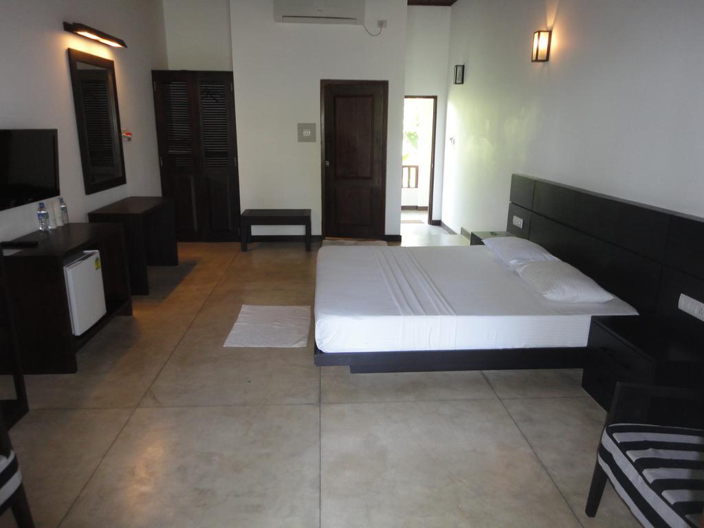 Цены в отеле Lagoon Paradise Beach Resort