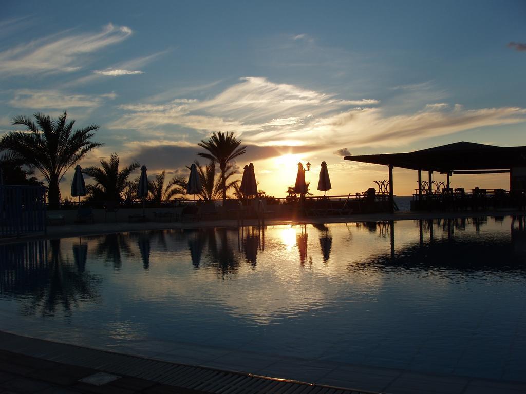 Helios Bay Hotel Apts фото и отзывы