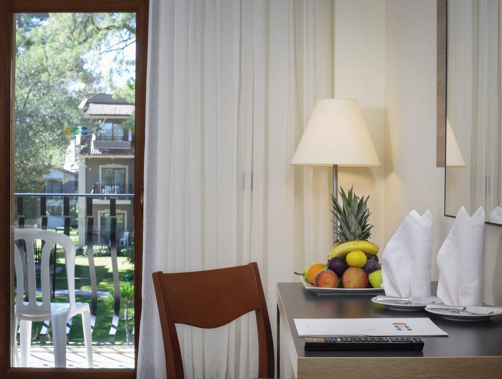 Відпочинок в готелі Kimeros Park Holiday Village Кемер Туреччина