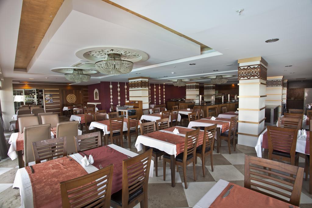 Відпочинок в готелі Holiday City Hotel Сіде Туреччина