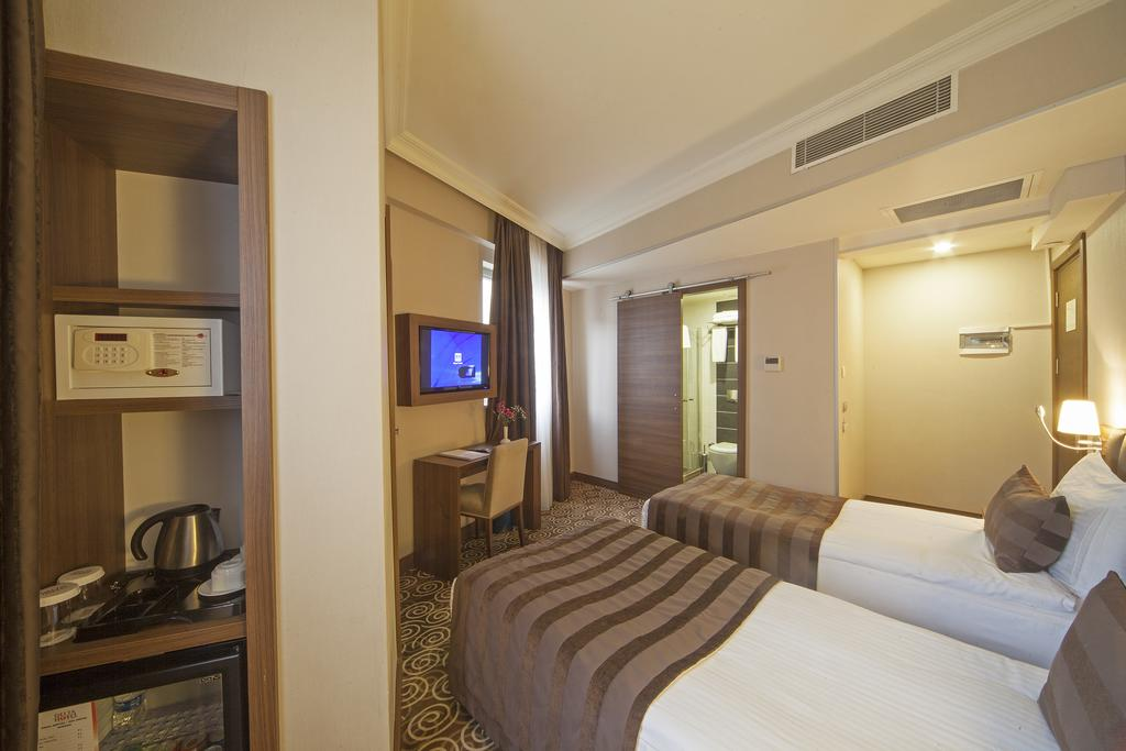 Горящие туры в отель Delta Hotel