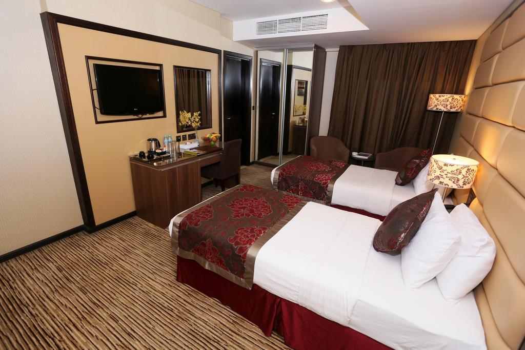 Al Hamra Hotel, Шарджа