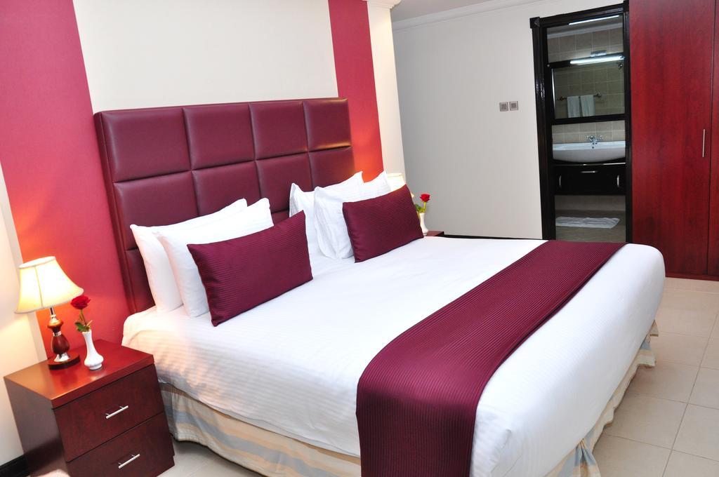 Цены в отеле Ewan Hotel Apartments