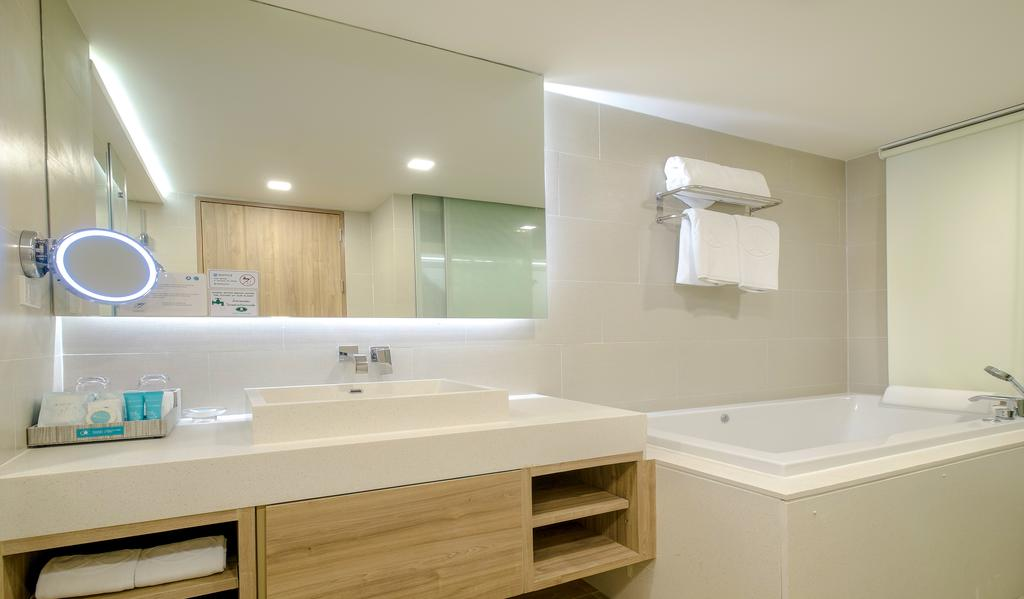 Патонг Phuket Graceland Resort & Spa ціни