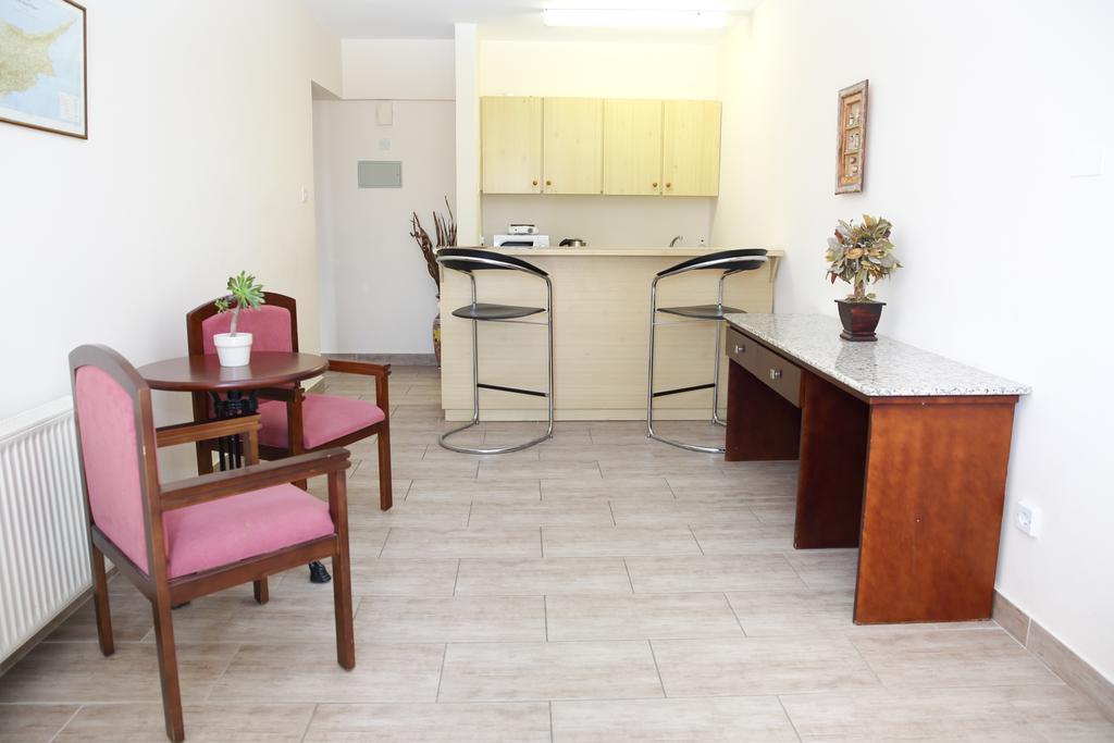 Горящие туры в отель Antonis G Hotel Apartments Ларнака
