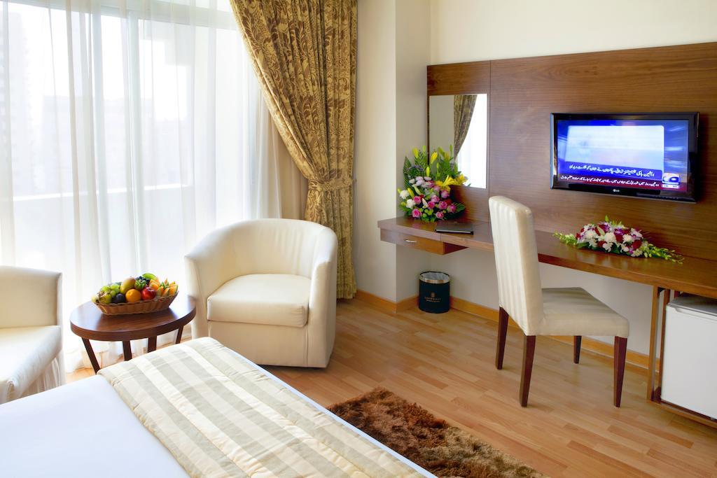 Горящие туры в отель Landmark Hotel Baniyas Дубай (город) ОАЭ