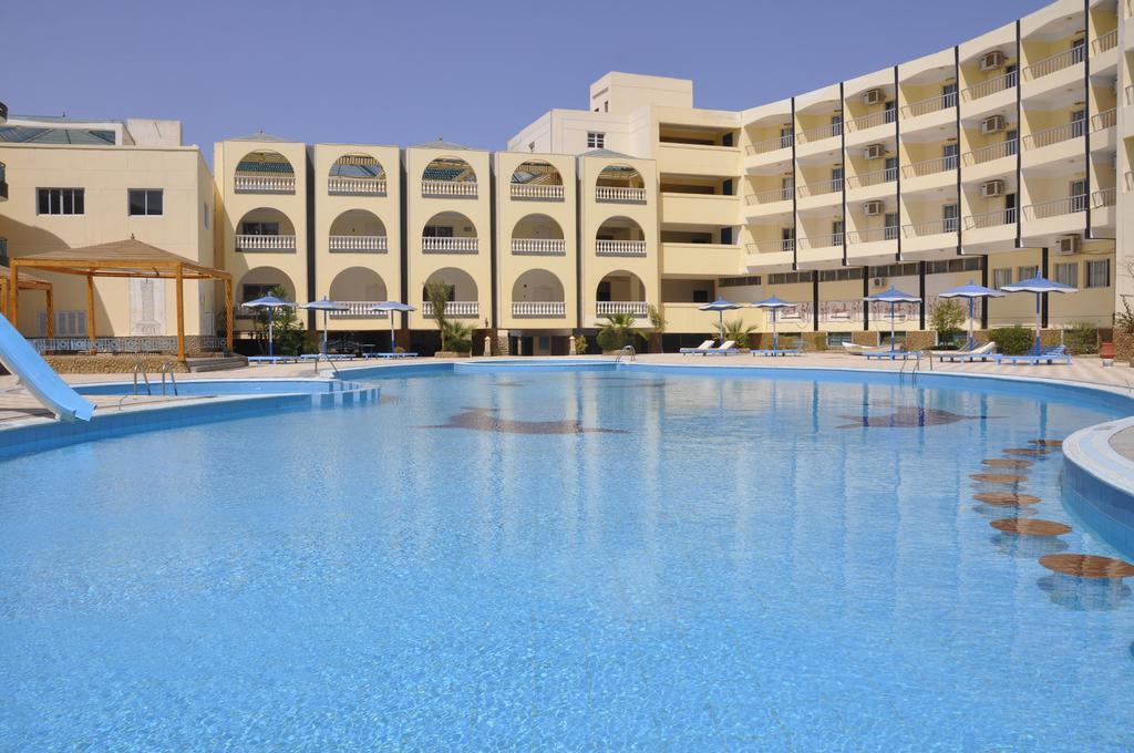 Горящие туры в отель Grand Blue Sant Maria