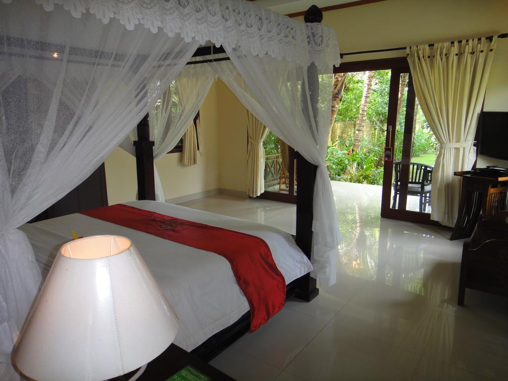 Отдых в отеле Arya Amed Beach Resort
