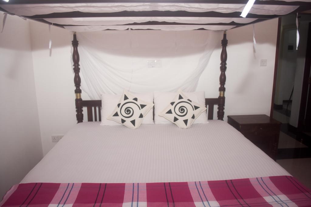 Villa De White Sambur, Хиккадува цены