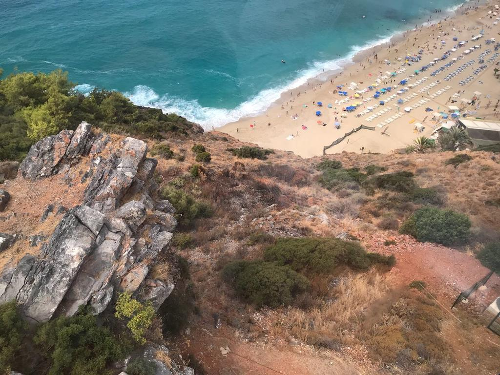 Sey Beach Hotel & Spa фото туристів