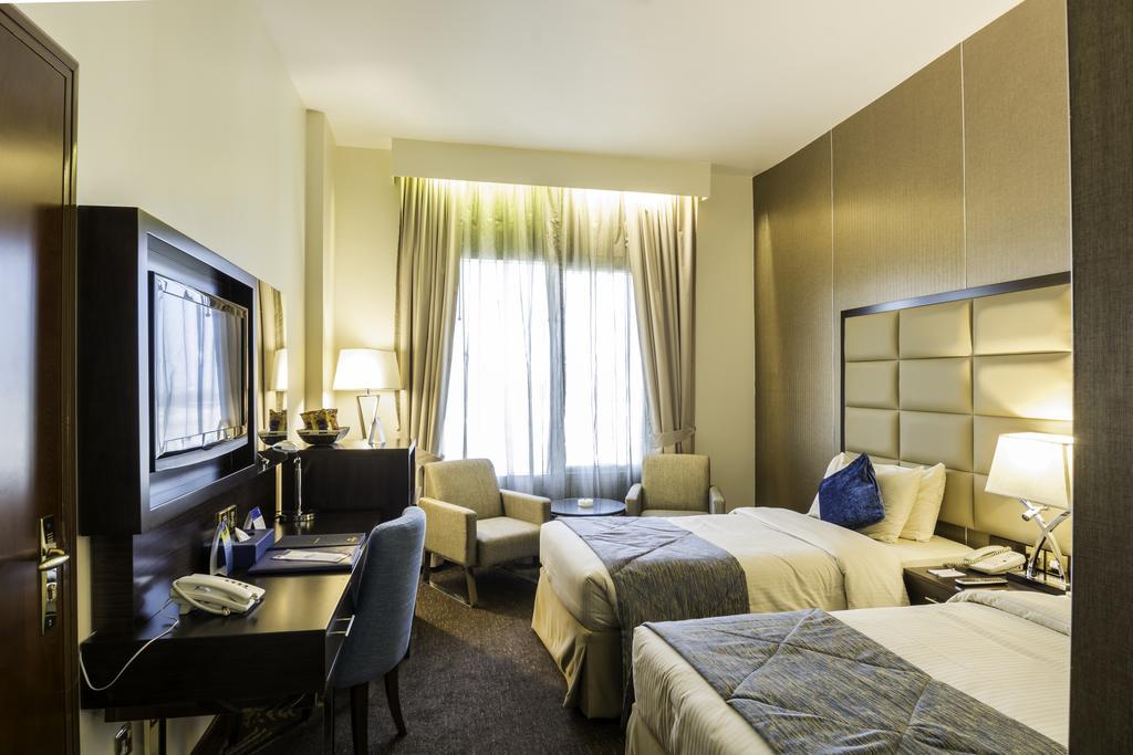 Горящие туры в отель Howard Johnson Hotel Bur Dubai Дубай (город) ОАЭ
