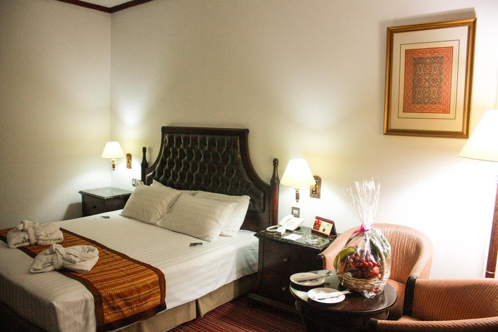 Отзывы об отеле Mayfair Hotel