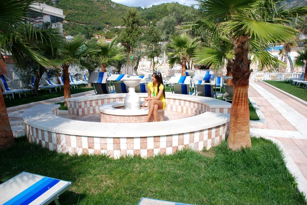 Mediteran Becici Hotel, питание