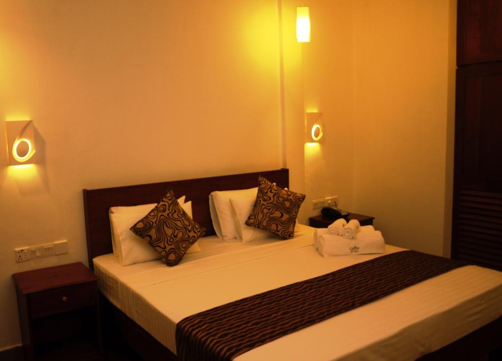 Carolina Beach Hotel, Шри-Ланка, Чилау, туры, фото и отзывы