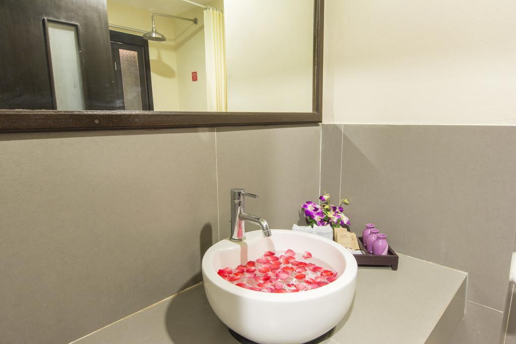 Відпочинок в готелі Phuvaree Resort
