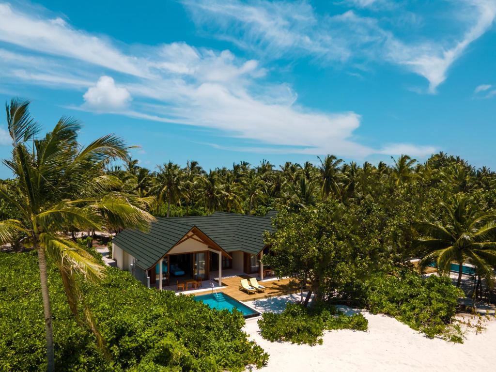 Гарячі тури в готель Furaveri Island Resort Раа Атол