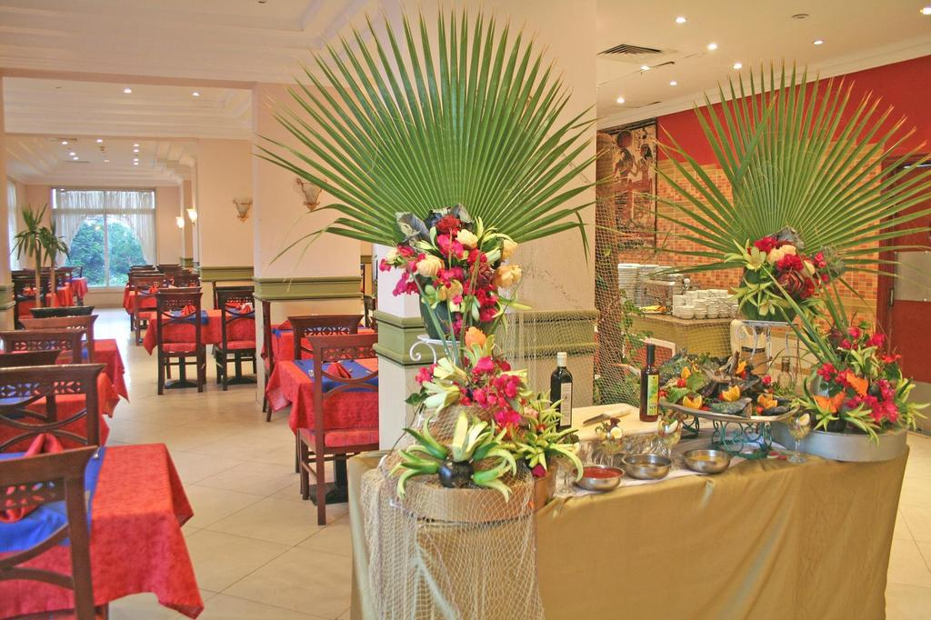 King Tut Aqua Park Beach Resort, Хургада, фотографии туров