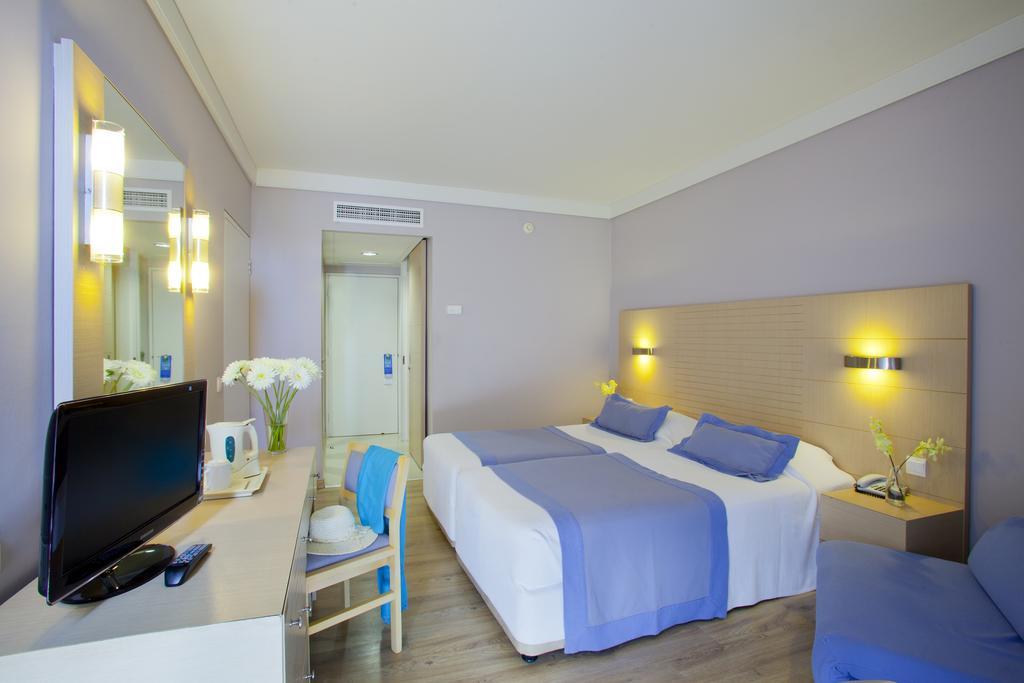 Louis Ledra Beach Hotel, Пафос