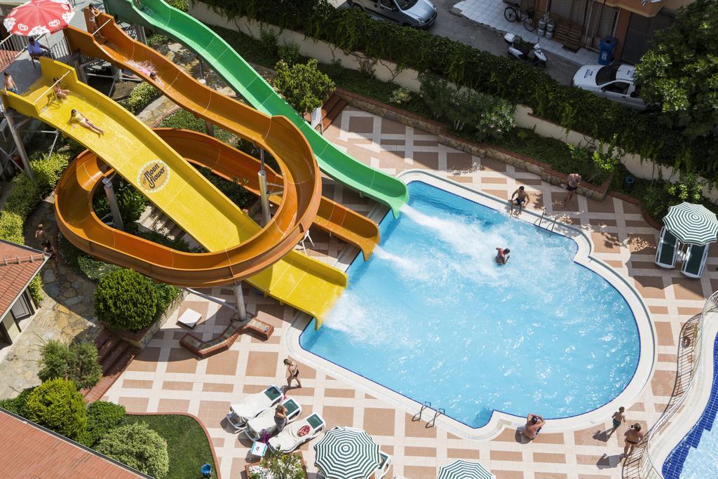 Відпочинок в готелі Villa Moonflower Aparts & Suites Аланья