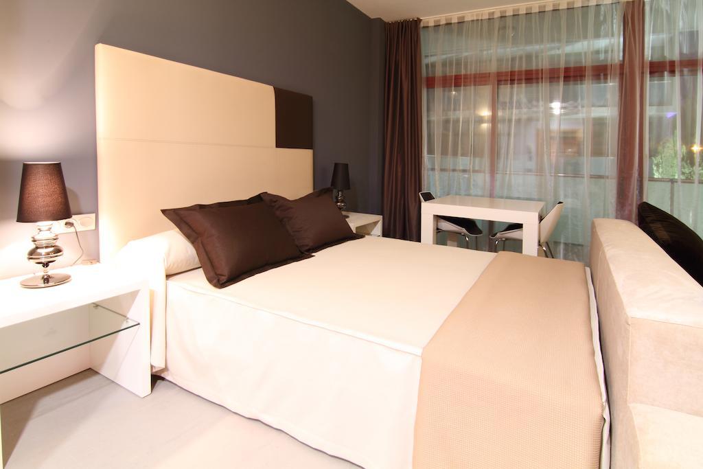 Ціни в готелі Four Elements Suites